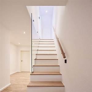 Treppenstufen Aus Glas : die besten 17 ideen zu treppenstufen holz auf pinterest treppenstufen beton geschwungene ~ Bigdaddyawards.com Haus und Dekorationen