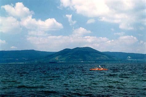 > Il Lago Di Vico