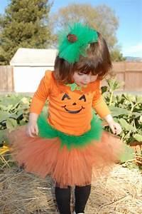 Halloween Kostüm Kürbis : die besten 25 k rbis kost m ideen auf pinterest halloween kost m k rbis bastelideen f r ~ Frokenaadalensverden.com Haus und Dekorationen