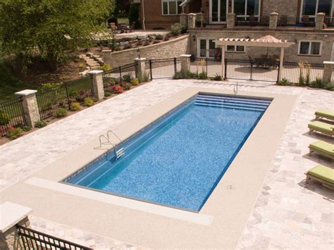 Brentwood TN - McMillion Pools - Pool Cleaning - Pool