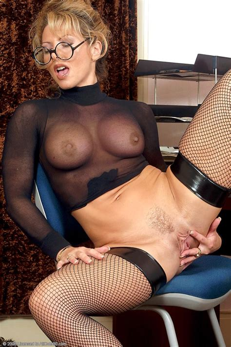 busty office milf in sexy stockings