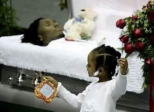 Chris Henry Funeral Pics - Funeral Arrangement & Memorial ...