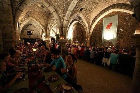 diabolo en taverne picture of le banquet des troubadours provins tripadvisor