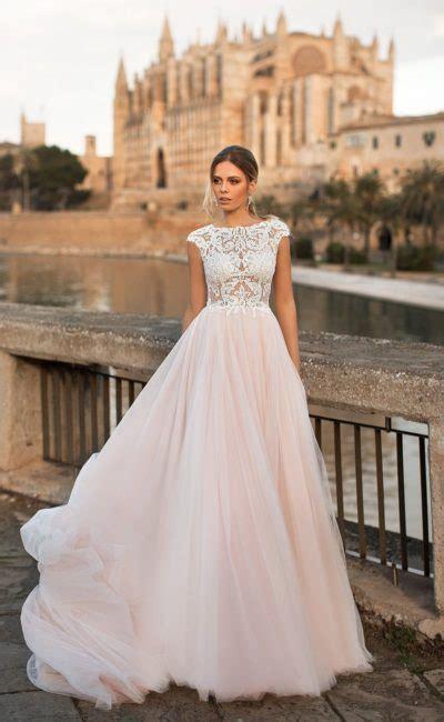 Модные свадебные платья 20202021 – новинки тренды и тенденции свадебных нарядов на фото