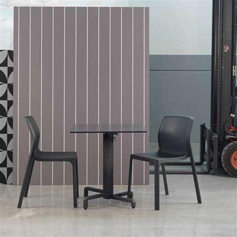 Chaise En Polypropylène by Tapis Chambre Design