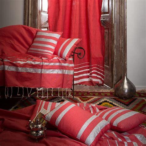 jetee canape jeté de canapé 2 x 3m fond et rayures argent is1