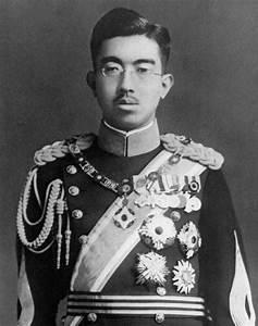 File:Emperor Hirohito portrait photograph.jpg - Wikimedia ...