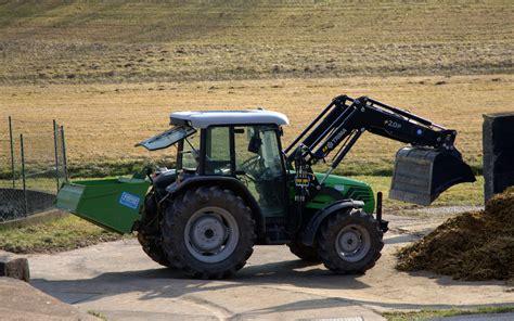 traktor mit frontlader frontlader traktor