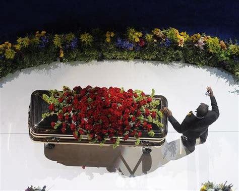 michael jackson finally buried  forest lawn novinite