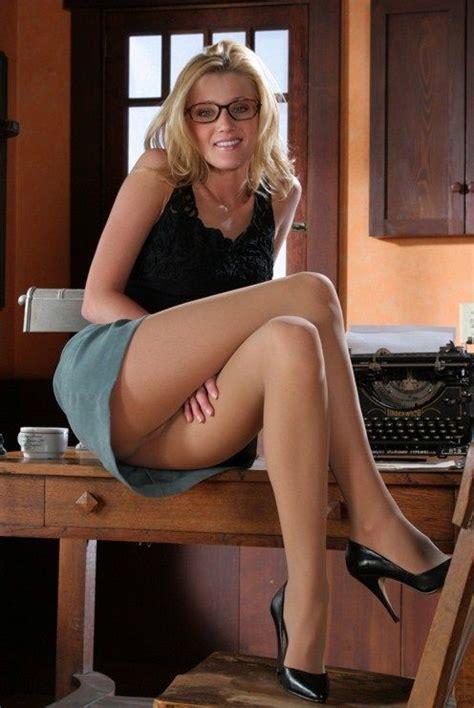 Naughty Secretaries In Pantyhose Tube Porn Video