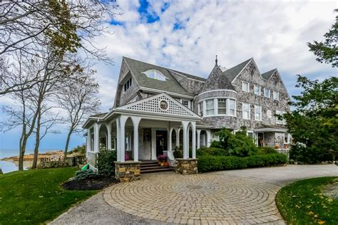 Tour A Cape Cod-style Home With Seaside Views