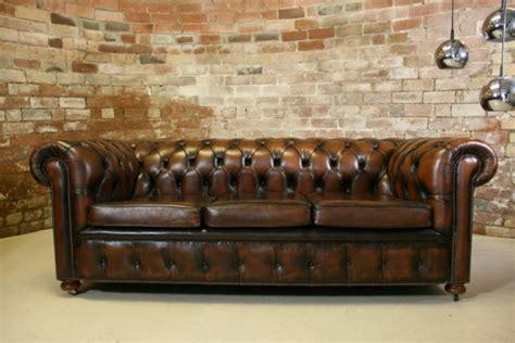 canapé style chesterfield le canapé cuir vintage le chic et le fabuleux confort