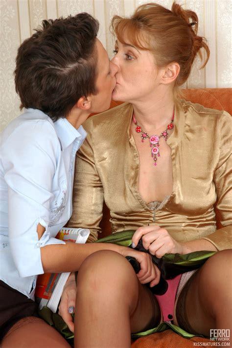 Kissmatures Bridget Sheila Naughty Lesbian Mom Sex