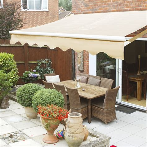 outdoor   manual retractable patio deck awning sun shade shelter xtremepowerus