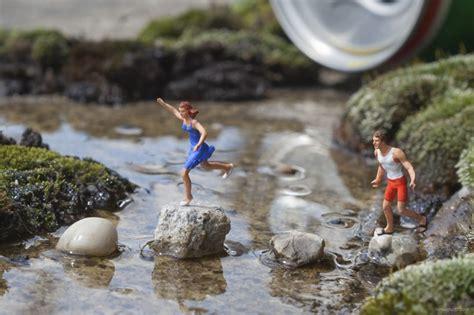 slinkachu frames miniatures   metropolis  london