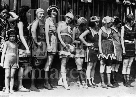 Vintage Flapper Women Swimsuits Photo 1920s Flappers Jazz