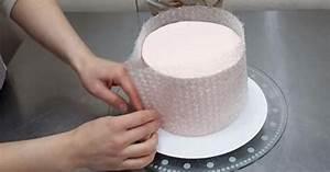 Eine perfekte Idee: Torte mithilfe von Luftpolsterfolie mit Schokolade verzieren Top Rezepte de