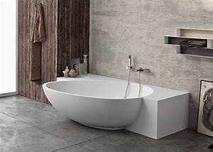 Halb Freistehende Badewanne : 1000 images about bad auf pinterest toiletten schminktische und duravit ~ Frokenaadalensverden.com Haus und Dekorationen