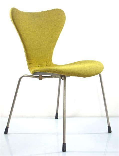 arne jacobsen early version series 7 chair fritz hansen