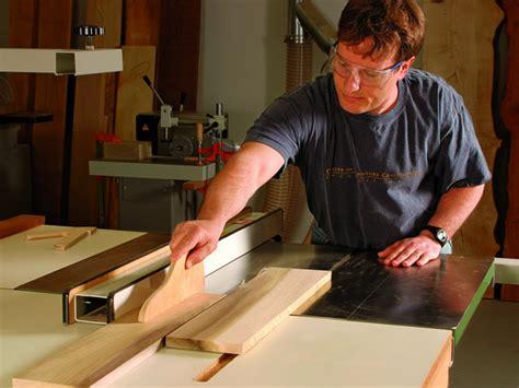 guide    carpenter
