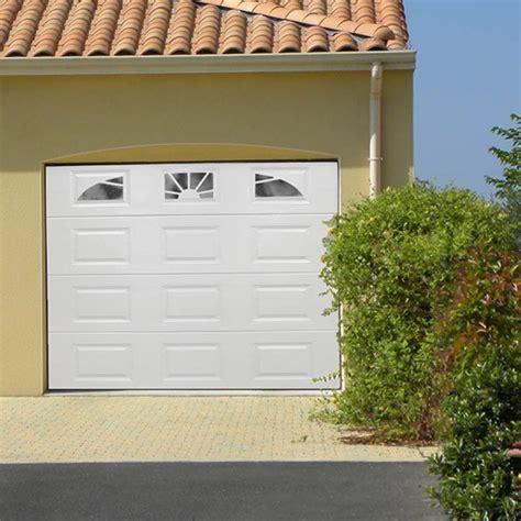 cours de cuisine box porte garage motorisée blanche 3 hublots batiwiz com 1406