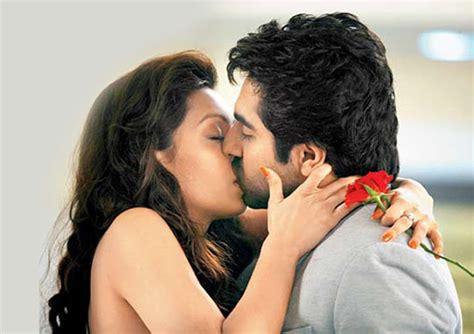 married actress kiss hot bollywood actress lip kiss pics hd group sex