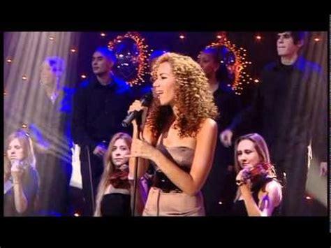 blake shelton xmas album 429 best z christmas music images on pinterest