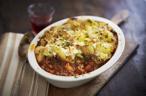 Cottage Pie In by Cottage Pie Recipe Dinner Recipes Tesco Real Food