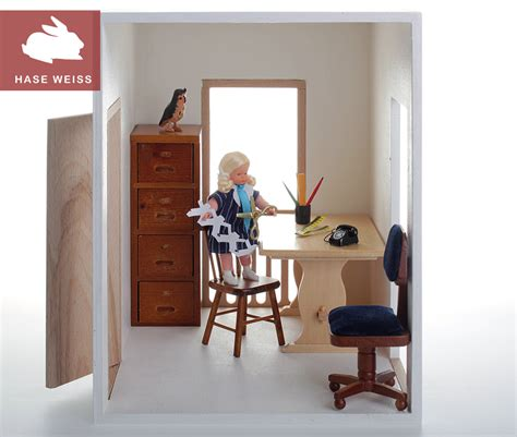 kleiner dunkler raum puppenhaus holz puppenstube modul puppenzimmer kleiner raum