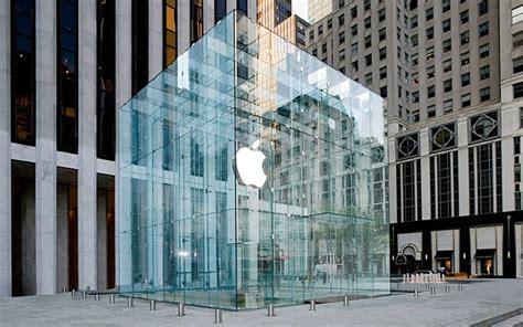 Apple's Fifth Avenue Store To Feature Simplified, Seamless