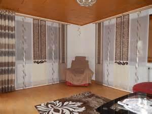 wohnzimmer mit kche braun beige schiebegardine fürs wohnzimmer mit beige braunen schals und dekonetzen