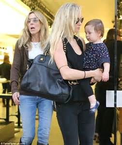 Black Girls Showering by Kimberly Stewart And Her Daughter Delilah Join Her Mum