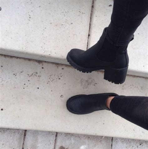 shoes boots black fashion spring fall outfits