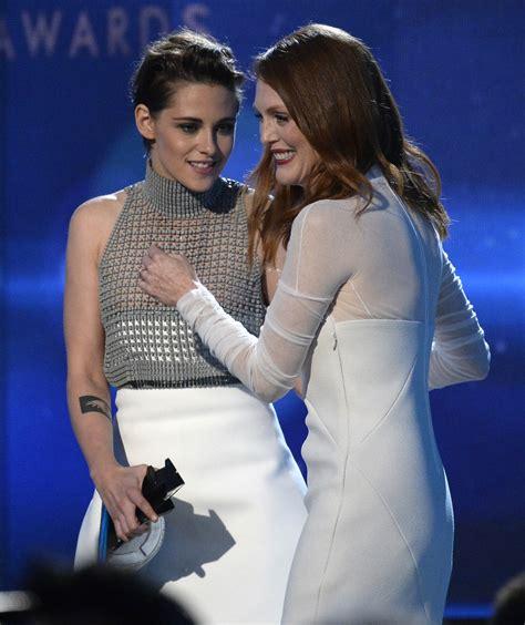 Kristen Stewarts Dress Betrays Her Protothemanewscom