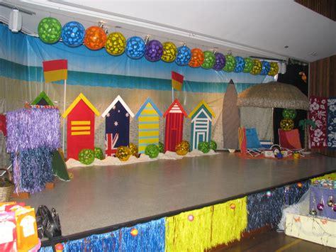 stage beach theme kindergarten graduation