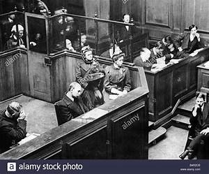 Seddon Murder Trial March 1912 Courtroom Scene At The Old ...