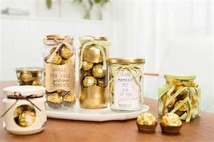 Hochzeit Geschenk Basteln : ferrero rocher goldene inspirationen kreieren sie goldene momente mit tollen deko bastel ~ Frokenaadalensverden.com Haus und Dekorationen