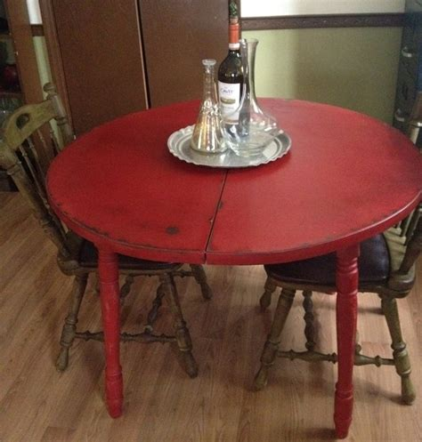 Distressed Round Country Kitchen Table  Kitchen Tables