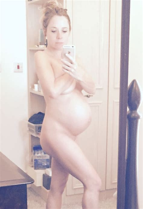 Naked Pregnant Selfies Show Kim Kardashian Isnt The Only