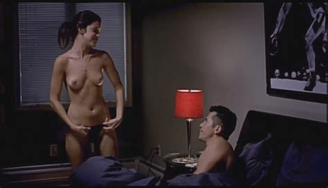 Vanessa Ferlito Nuda ~30 Anni In Undefeated
