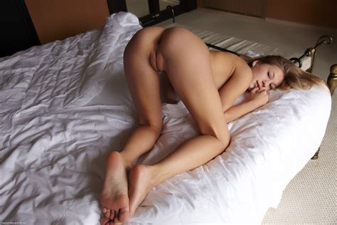 On The Bed Porn Pic Eporner