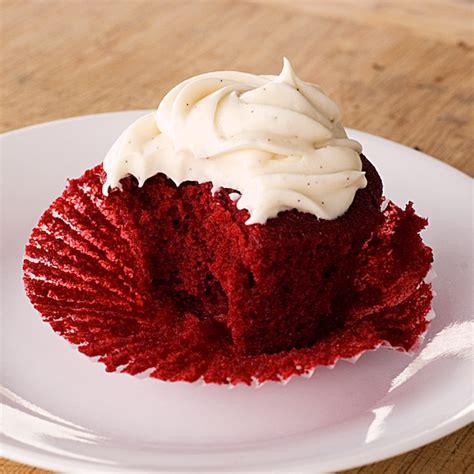 red velvet cupcakes  vanilla bean cream cheese