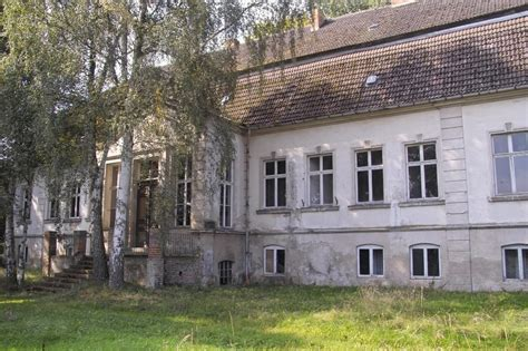 altes feuerwehrauto kaufen altes gutshaus ausgedient und verlassen 2 foto bild architektur l 228 ndliche architektur