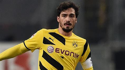 Matchday magazine with mats hummels. Manchester United target Mats Hummels set to stay at ...
