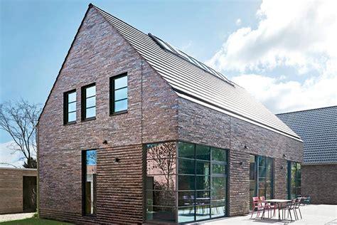 Moderne Häuser Mit Satteldach Am Hang by Satteldachhaus Mit Loft Feeling Sch 214 Ner Wohnen