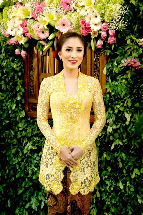 model kebaya modern   uprintid