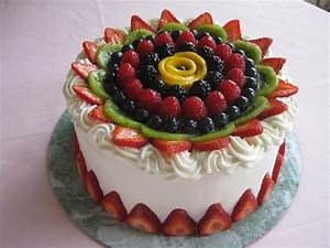 Fruit Decorations on Cake | Cake Decorations | Pinterest ...
