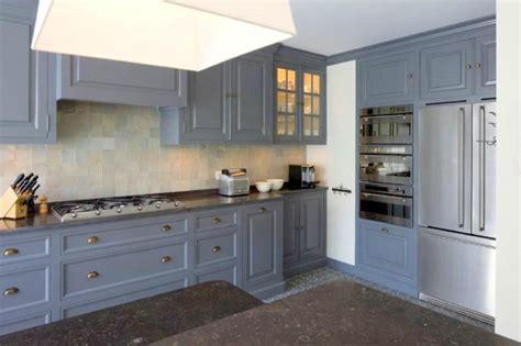 cuisine peinte armoire designe armoire ancienne repeinte en noir