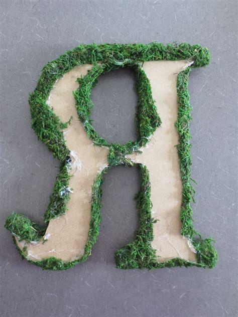 making  feel  home moss monogram