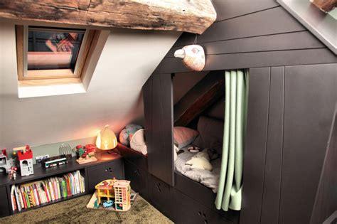 place du lit dans une chambre lit cabane d 39 une chambre d 39 enfant aménagée dans les